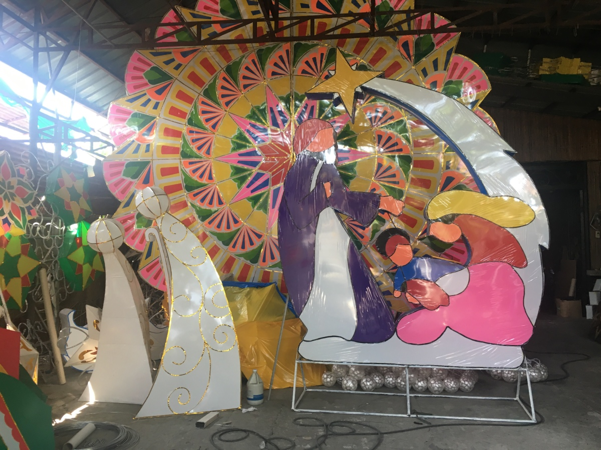 San Fernando, Pampanga keeps the tradition of handcrafting Christmas lanterns alive