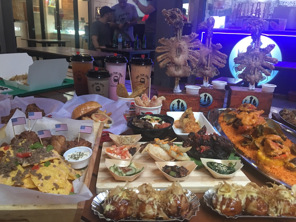 There's something for everyone's craving at Pob Stacion FoodPark