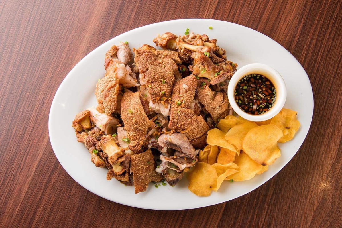 Crispy Pata for Php133 at TRES