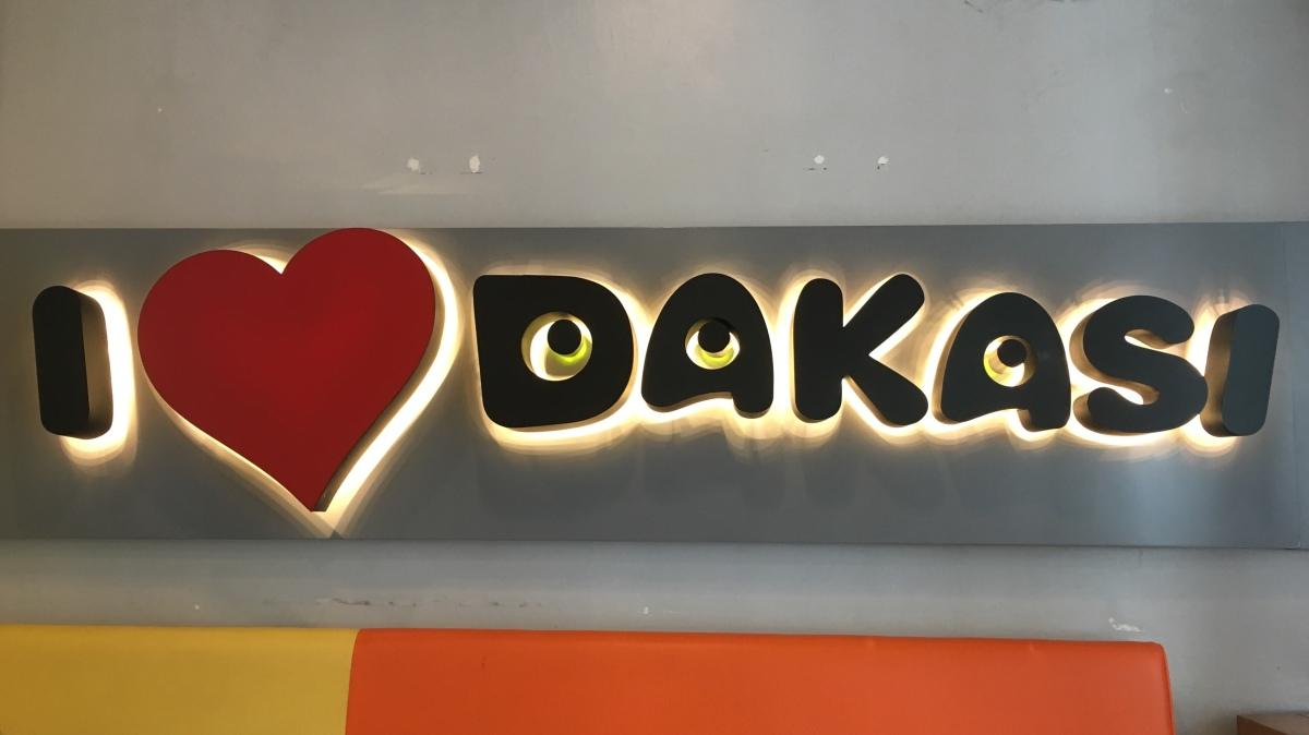 Creme Milk Teas at Dakasi, TomasMorato