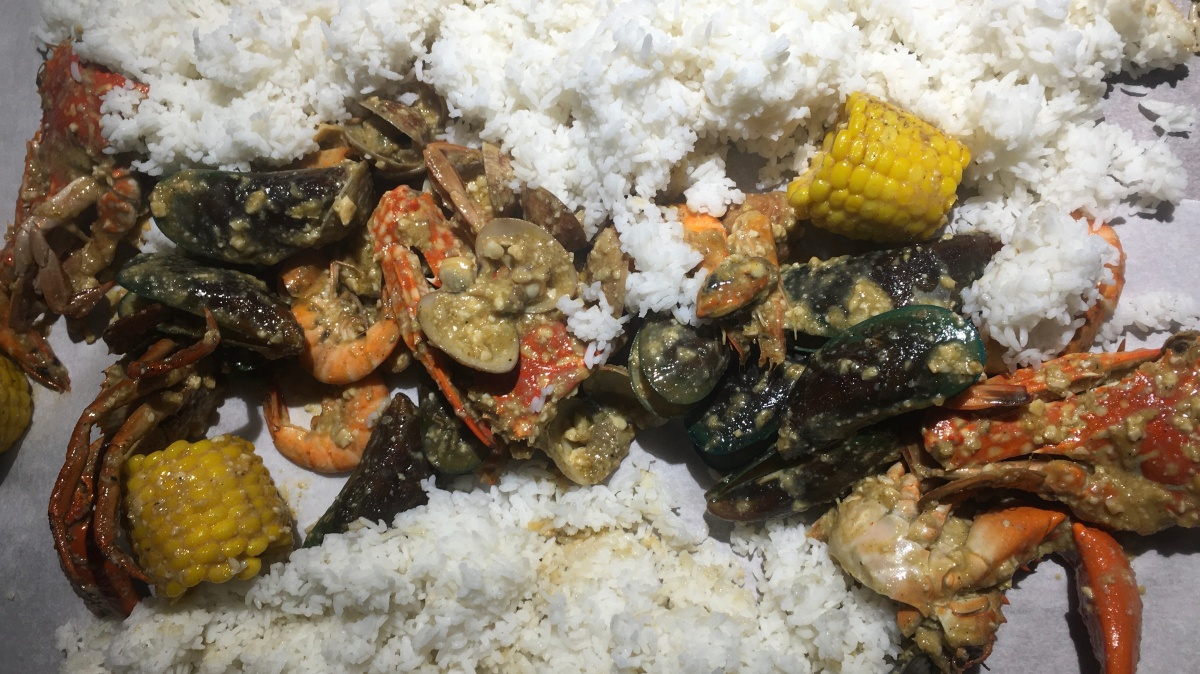 Seafood Feast at Dampa Seafood Grill, Tomas Morato