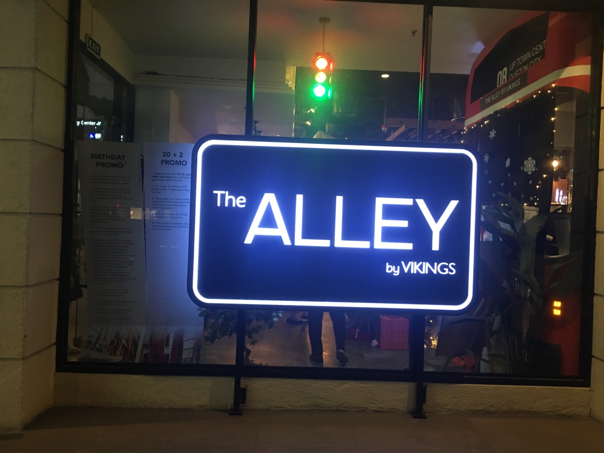 The Alley by Vikings, UP Town Center