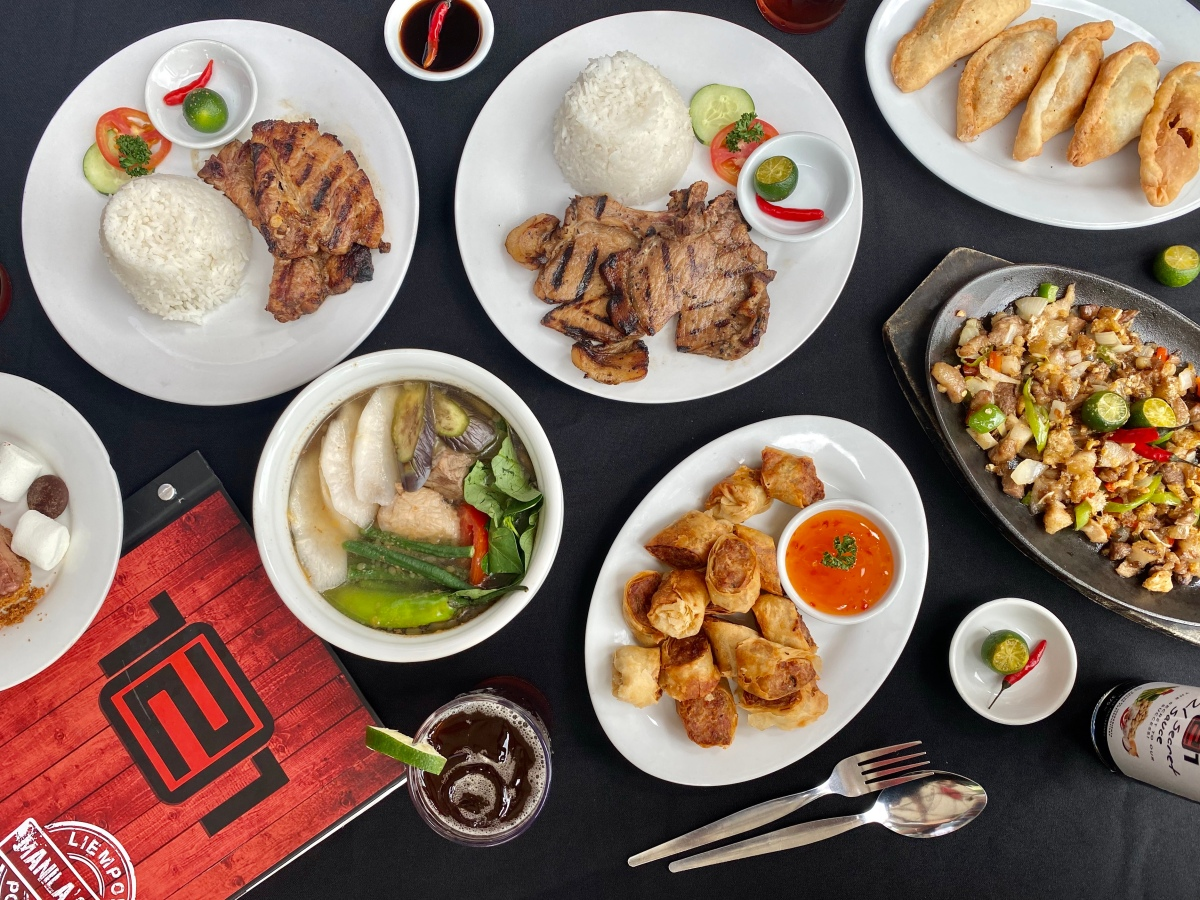Family-style dining at 121 Restaurant, AllegroCenter