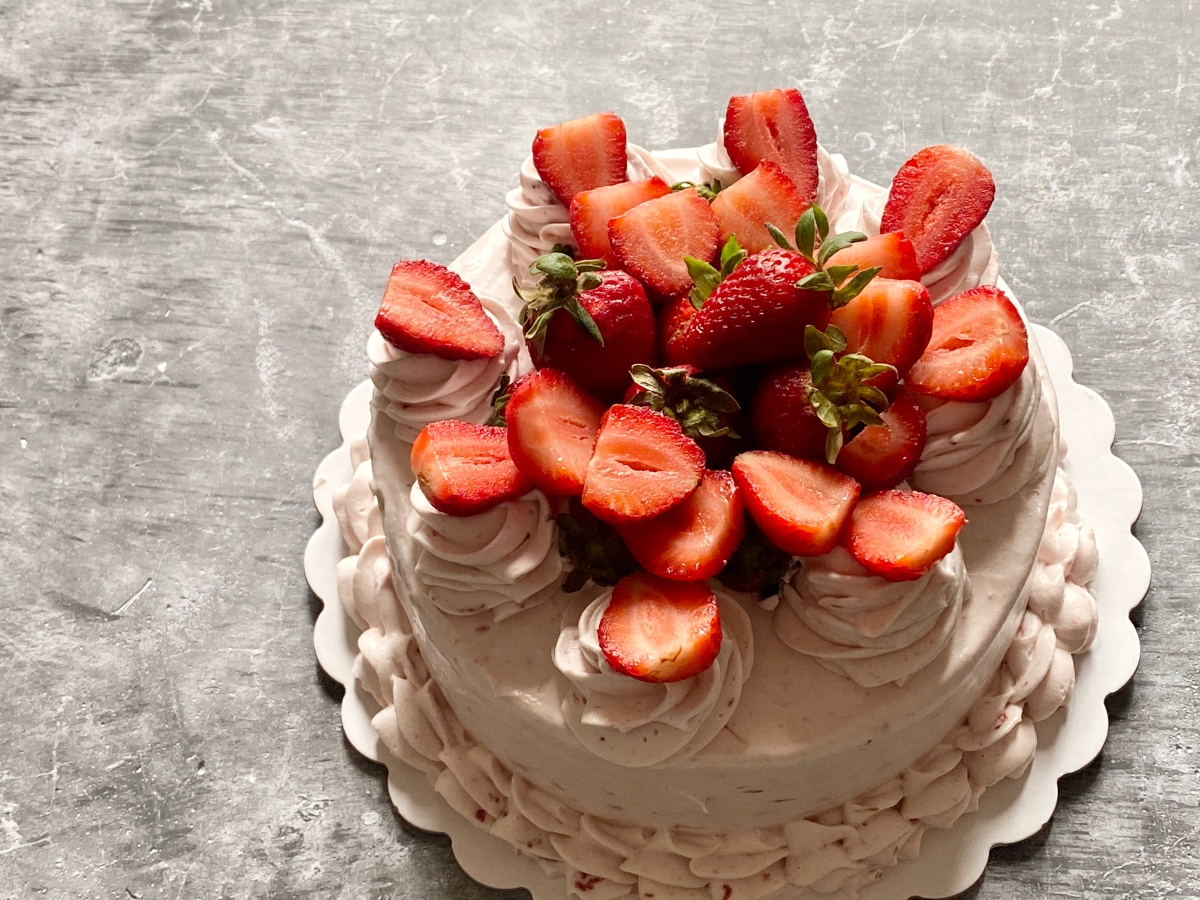 Inang Charing's Cakes and  Pastries now offers Strawberry Shortcake