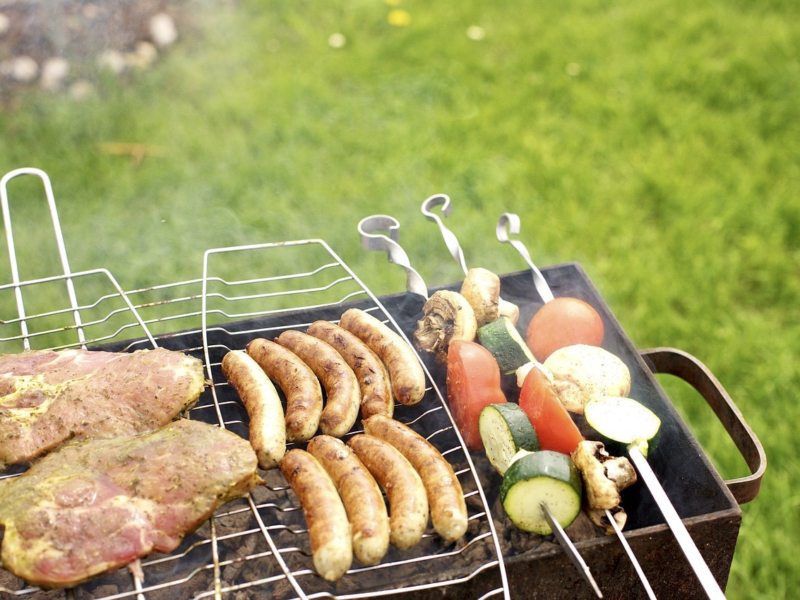 Buyers' guide for charcoal grills on abudget