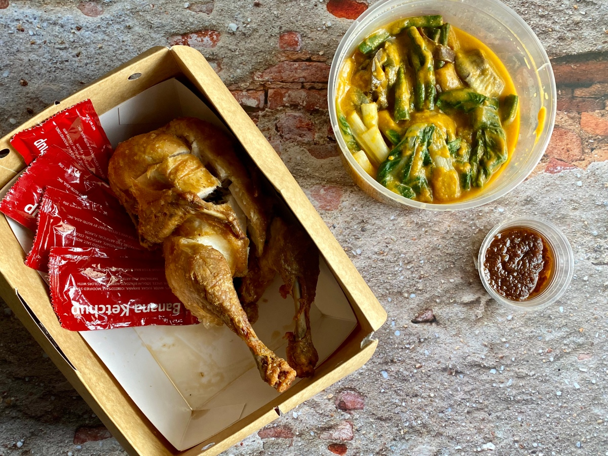Pinoy-style fried chicken delivery from Max'sChicken