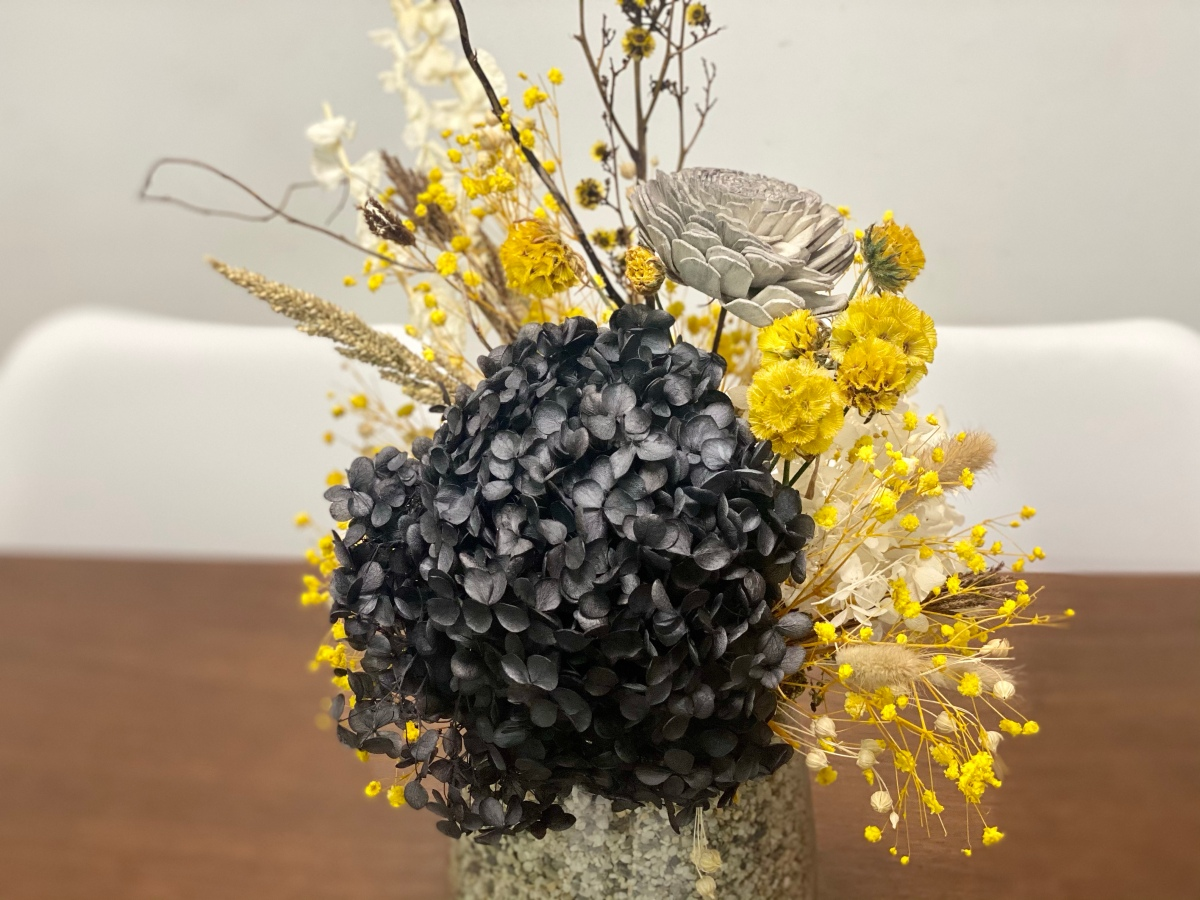 Tell your tales with Stories and Blossoms' preserved flower arrangements