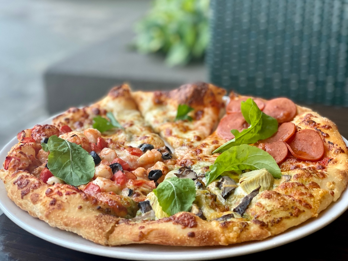 EATS A CELEBRATION at Italianni's with 50% off on all pizzas on February 23!