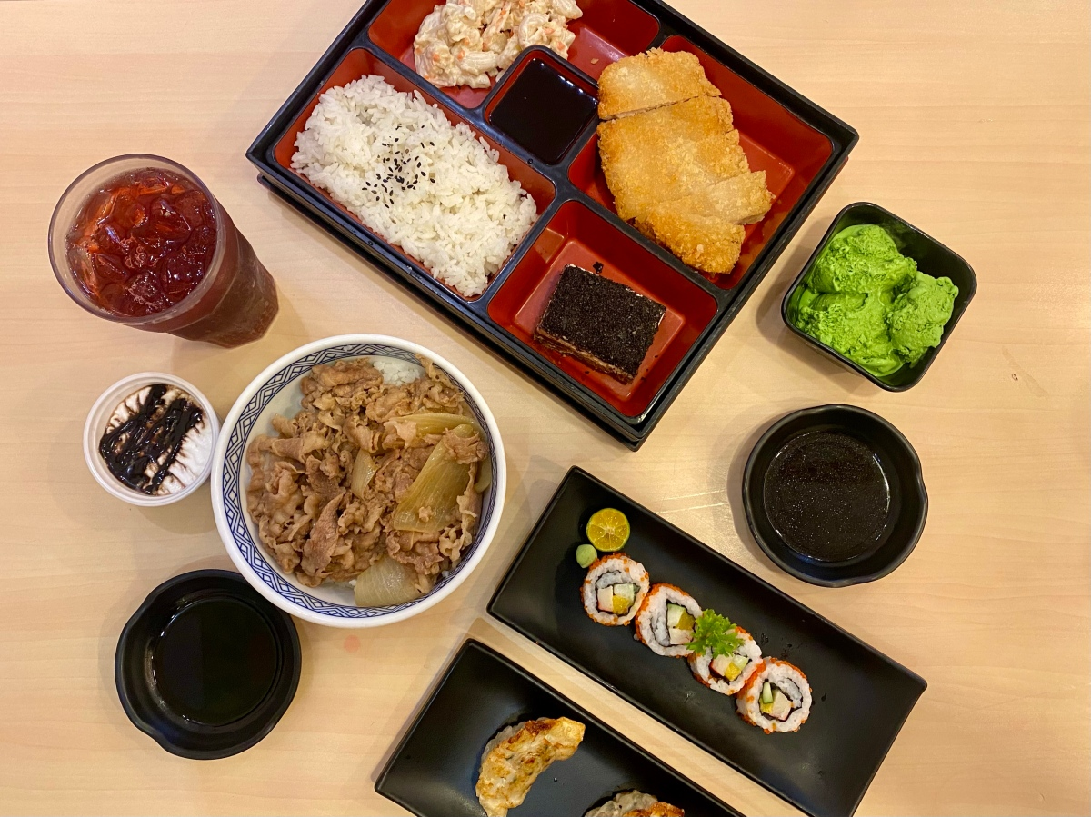Filling Japanese lunch at Yoshinoya, SM Megamall