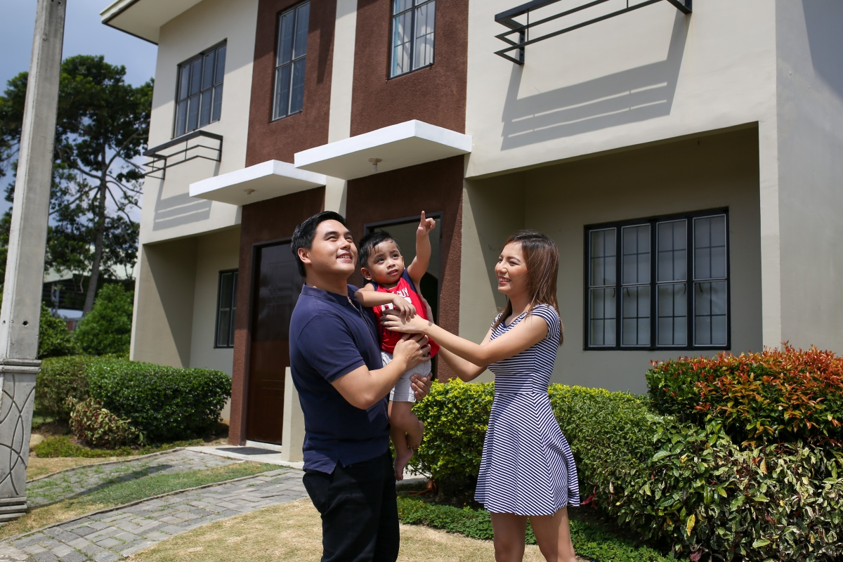 You Can Now 'Mine' a Lumina Home through Live Selling sa Brgy. Lumina