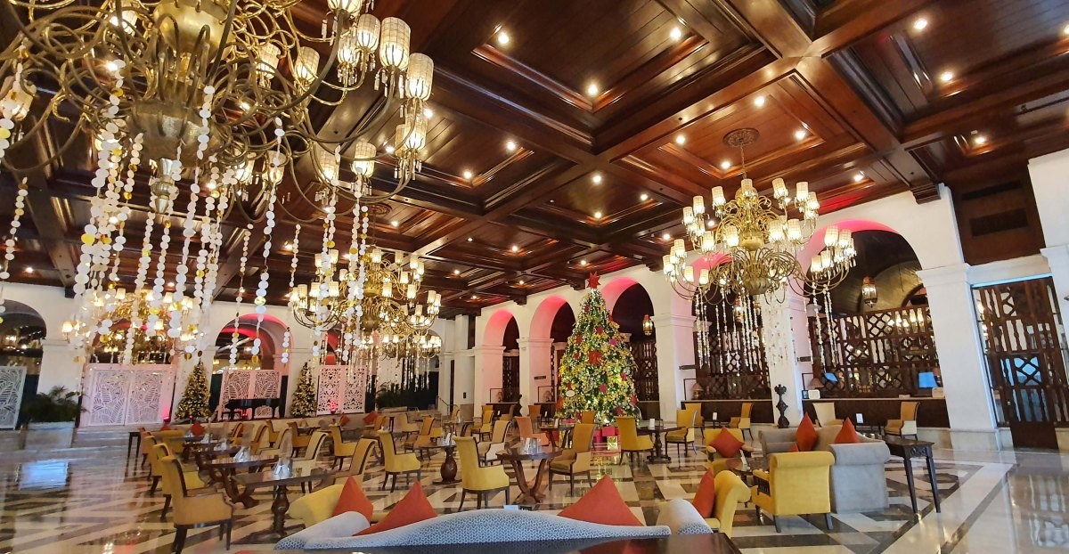 The Manila Hotel reopens diningoutlets